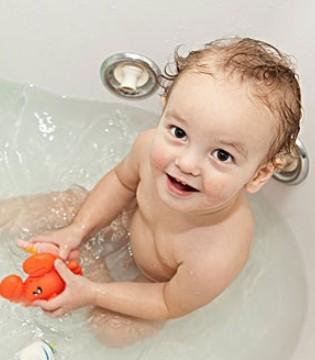 洗澡时如何开发宝宝的智力 新手父母快看过来