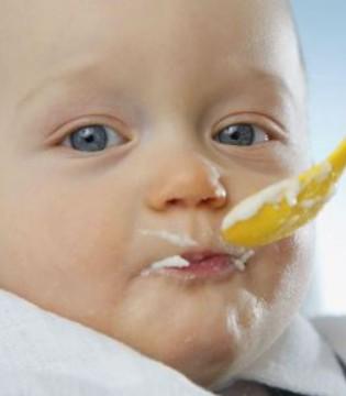 新手妈妈带宝宝 一定要避开4个喂养误区