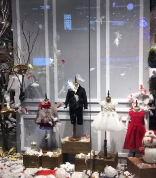 精彩分享 石狮―打造全国最美 两个小朋友圣诞橱窗陈列