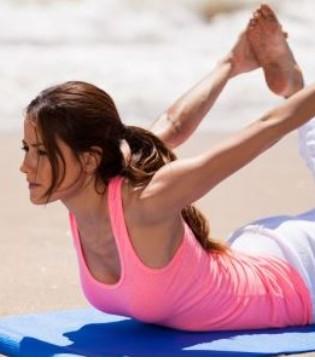 在家自己怎么练翘臀 推荐2式瑜伽