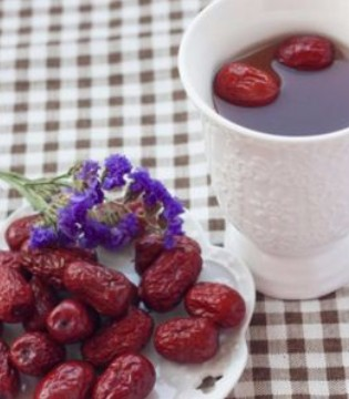 女人补气血不妨喝点红枣茶 推荐这四种泡法
