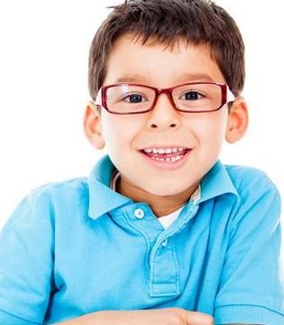 孩子近视严重低龄化 原来是这些小细节惹的祸