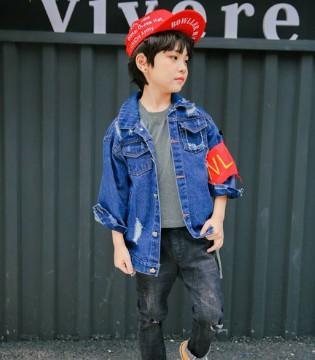 青稚不同格调色彩童装 为营造孩子不一样的童年