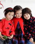 穿上KICCOLY童装一抹红 一起缤纷过圣诞