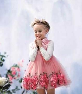 ceicei熙熙童装:圣诞节在你心中是什么样子的