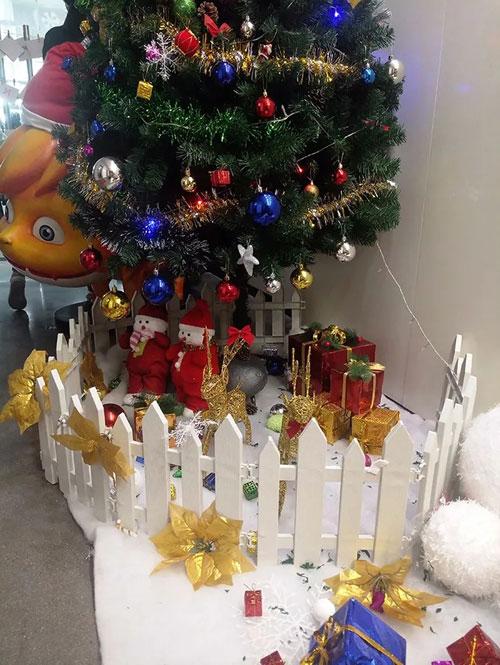 贝贝依依嗨玩圣诞 温暖有心惊喜不断 有你更有礼