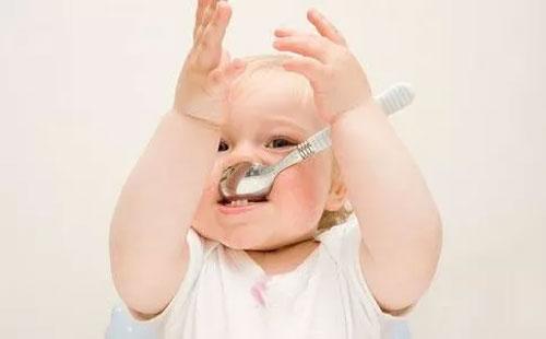 宝宝适合哪种辅食 宝宝辅食添加米粉有什么好处
