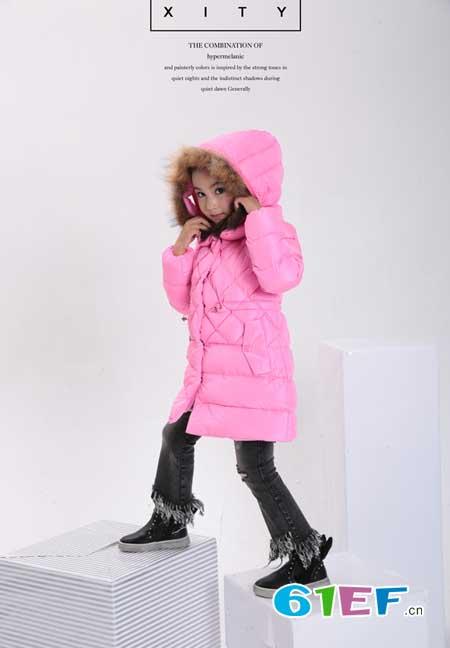 小猪芭那元旦羽绒服系列 让孩子成为众人的焦点