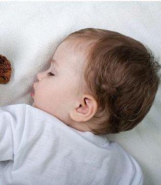 怎样让宝宝在冬季睡得更香 睡得安稳呢