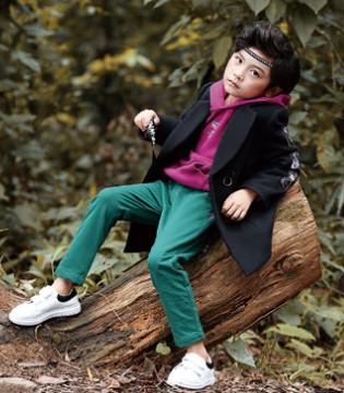 开心难忘的旅行 一定要穿上德蒙斯特品牌童装