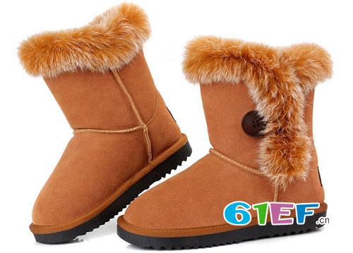 小寒节气雪纷纷 来上一双时尚雪地靴滑雪吧