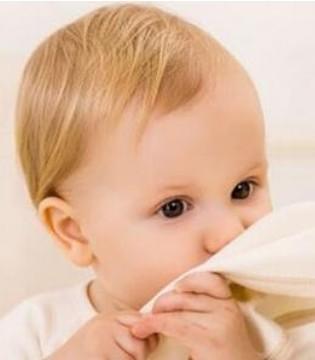 宝宝流鼻涕不等于感冒 家长千万不要乱用药