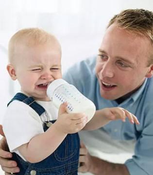宝宝为什么会厌奶呢 宝宝不喝奶怎么办
