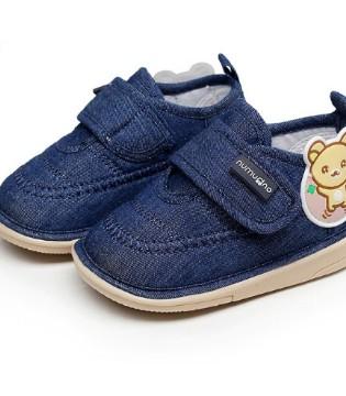 这款舒适耐穿学步鞋 可以满足孩子的生长需要