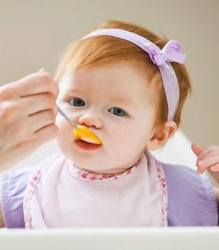添加辅食的重要性 钙铁锌对宝宝的影响