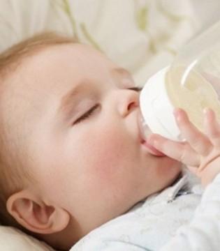 宝宝在吃配方奶粉 下面这些你一定要知道