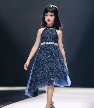 LiCiLiZi幻蓝之绣 LiCiLiZi国际时装周完美落幕