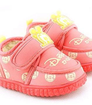 宝宝学走路能穿二手鞋吗 如何挑选宝宝学步鞋