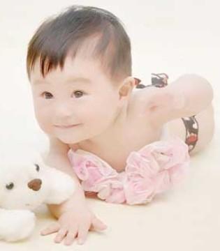 婴儿背带会导致宝宝O型腿吗 背带会让宝宝腿型不好看吗