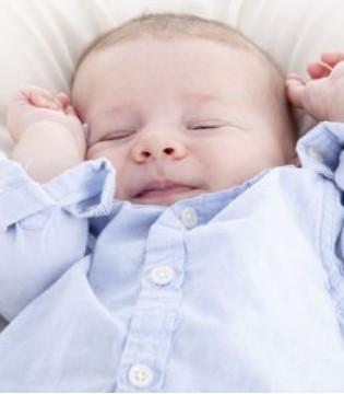 宝宝有这4个小举动 说明正在长智力