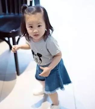 伊顿风尚:女孩搭配的时髦要从小做起