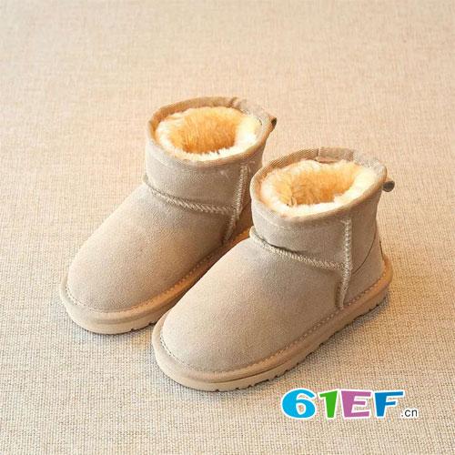 不与床作伴 要穿上时尚保暖的雪地靴去玩耍