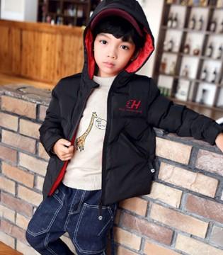 经典黑色外套 用帅气承包宝贝的冬季