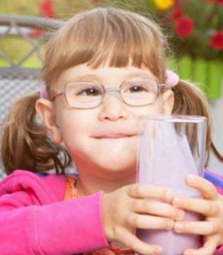 补钙加维生素D,帮助宝宝健齿强骨身体壮