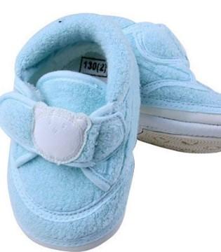 宝宝学走路 如何给宝贝挑选一双合适的鞋