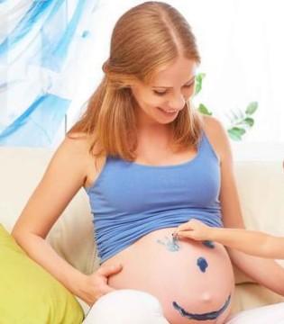 孕期摸肚子脐带绕颈 孕妈妈别被这些谣言给蒙骗了