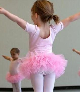 孩子几岁可以学芭蕾 男孩子学芭蕾会女性化吗