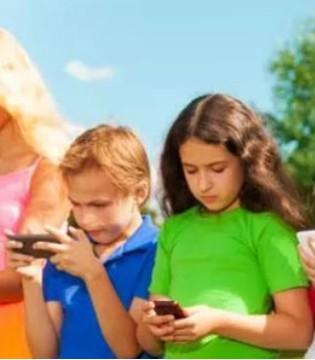 孩子寒假沉迷手机 试试这三招挺管用