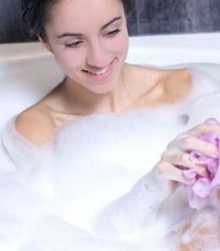 洗澡也有讲究 三种洗澡水助女人养生