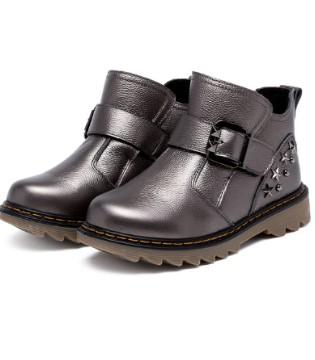 冬天季节 潮童们不可缺少的三款鞋子
