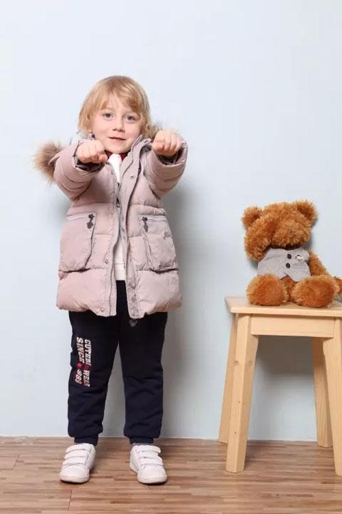 cthouse采童庄:下雪天小男孩应该这么穿哦