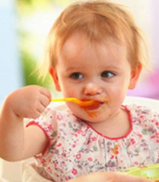 宝宝光吃辅食 不爱喝奶 会营养不良吗