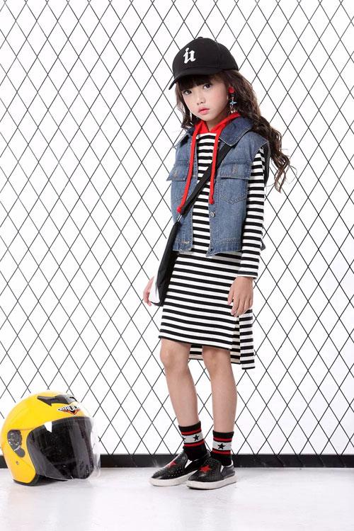 aimiaimen艾米艾门演绎经久不衰的条纹时尚