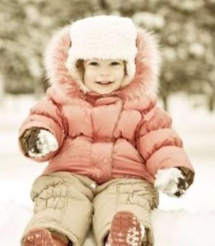 如何给宝贝选购适合的羽绒服 宝宝穿羽绒服的注意事项