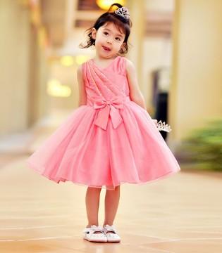 没有水晶鞋 但我有美美的公主裙已满足