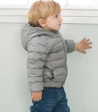 宝宝多大可以穿羽绒服 如何挑选羽绒服