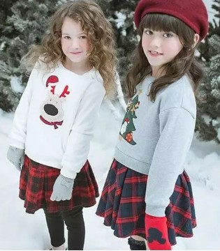 以纯童装 新年红装身上有 宝宝红包自动收