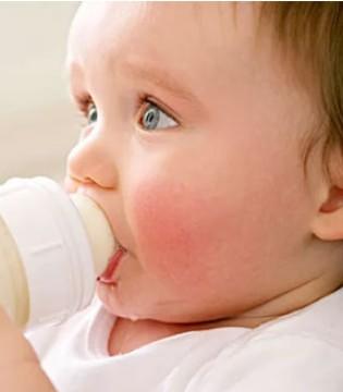 佳贝艾特:冲泡奶粉 是否泡沫越少越好