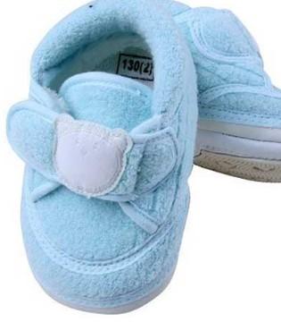 宝宝的第一双鞋怎么选择 美国儿科学会给你3点建议