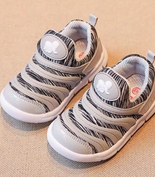 你家宝宝需要这样一双舒适稳固的鞋子