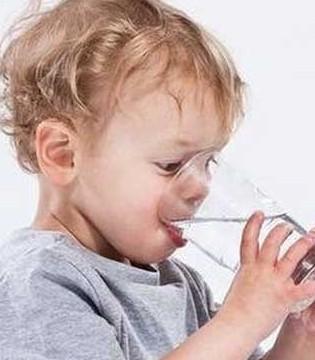 为什么宝宝要多喝水 宝宝不爱喝水怎么办
