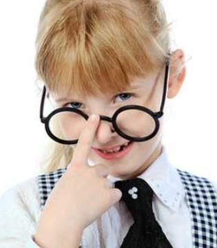 孩子配眼镜要避免三个误区 这些注意事项要知道