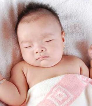 开灯睡觉对宝宝伤害大 如何减少开灯睡觉的危害