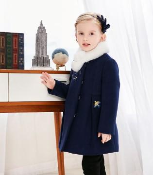 穿出时尚洋气 卡莎梦露教你时髦大衣的正确搭配