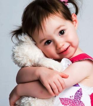 孩子爱撒娇或是缺乏安全感 孩子爱撒娇怎么办