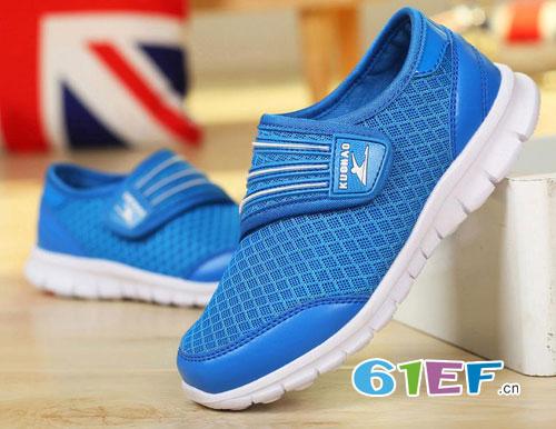 各种流行运动鞋 展现出只属于宝贝自己的气质